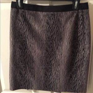 Loft 4P black and gray skirt
